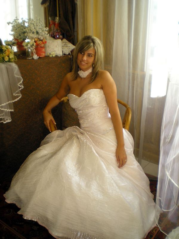 046911e049 Főoldal | Menyasszonyi ruha 2 | Menyasszonyi ruha 3 | Menyasszonyi ruha 4 |  2013-as menyasszonyok | 2014-es menyasszonyok | 2015 menyasszonyok ...